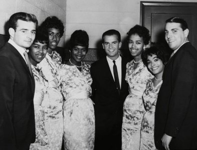 marvelettes-american-bandstand-host-dick-clark-is-flanked-by-the-marvelettes-with-barney-ales-and-local-promotion-man-buzz-curtis-at-the-far-left-and-right-respectively-73