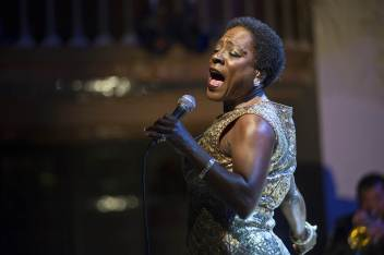 161118-sharon-jones-mbe-856p_37b5570eed251fa64d35d49f0542ab68-nbcnews-ux-2880-1000